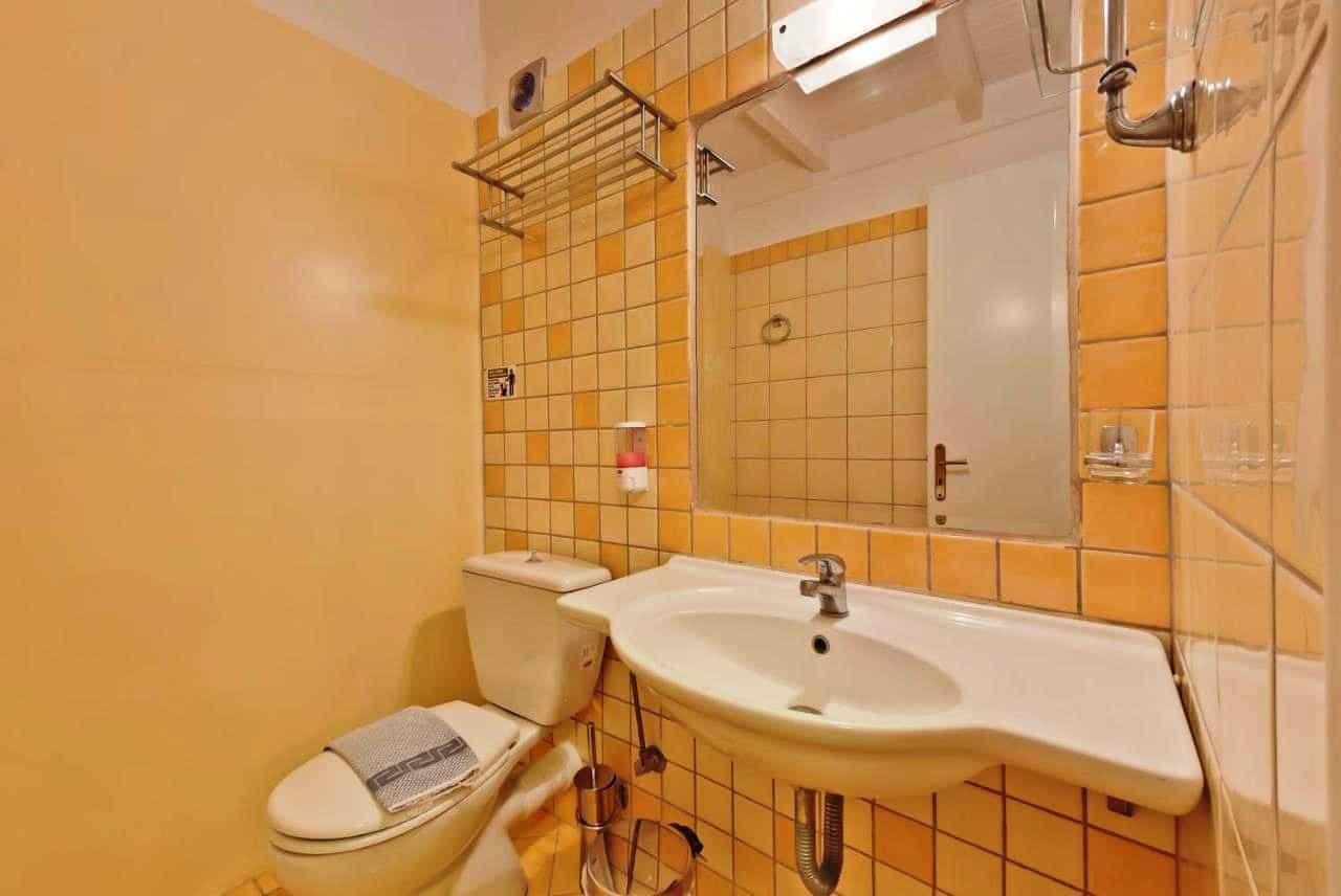 Hotel Lefkada bathroom (3)