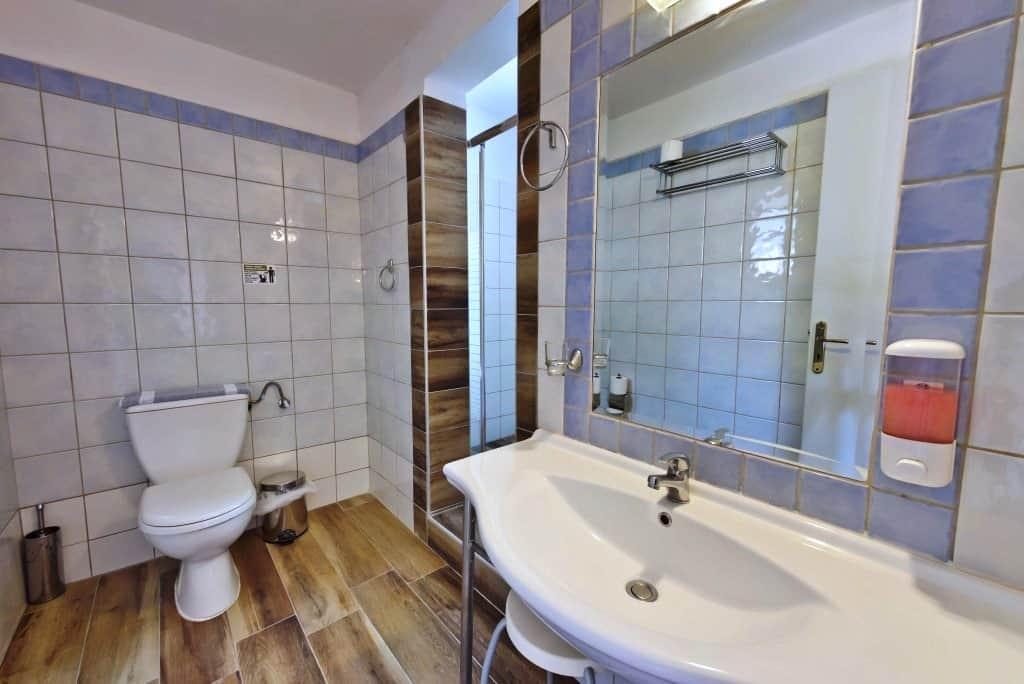 Hotel Lefkada bathroom (6)